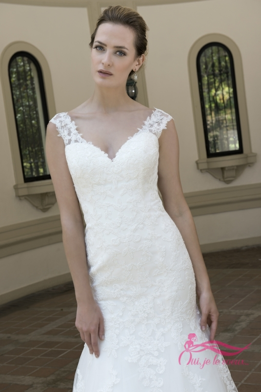Wedding dress Tulle, Lace, Lou