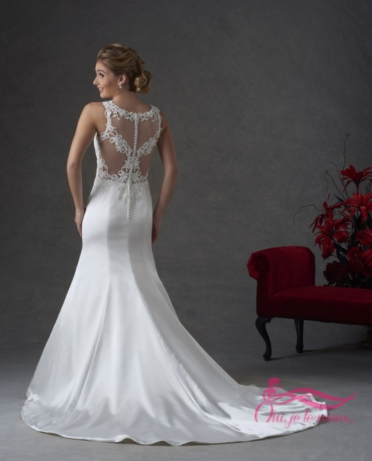 Wedding dress Charmeuse satin, Lace appliquées, Loukia