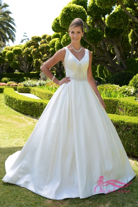 Wedding dress Satin, Beaded appliquées, Christina