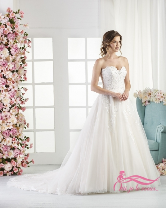 Wedding dress Tulle, Lace appliquées, Tobago