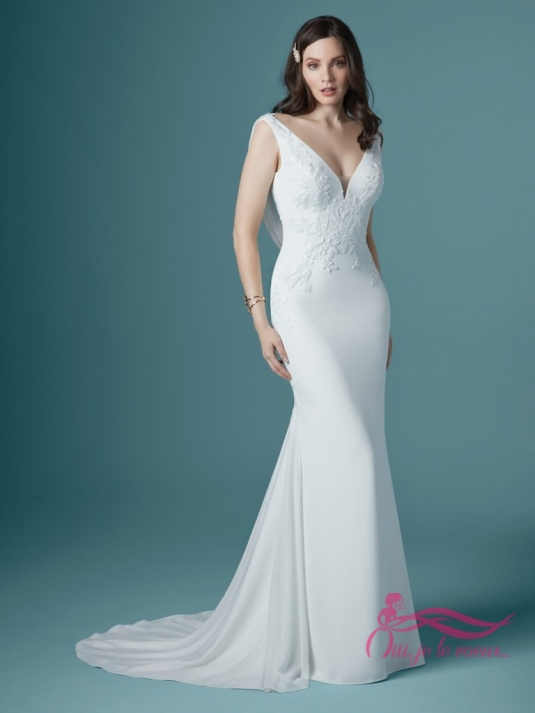 Wedding dress crepe, Lace appliquées, Bertina